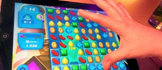 Jouer à Candy Crush ou Clash of Clans sur son smartphone